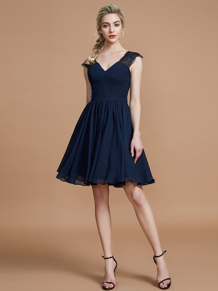A-Line/Princess Chiffon V-neck Knee-Length Bridesmaid Dress
