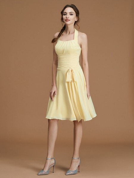 A-Line/Princess Halter Short/Mini Chiffon Ruffles Bridesmaid Dress