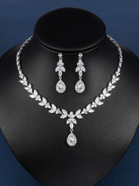 Charming Zircon Hot Sale Jewelry Set With Water Drop