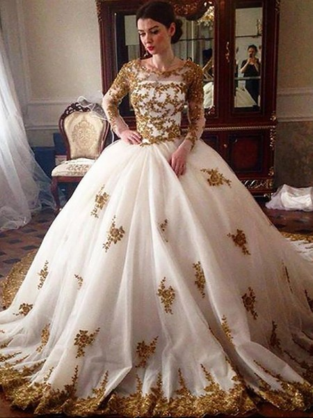 Ball Gown Court Train Tulle Scoop Wedding Dress