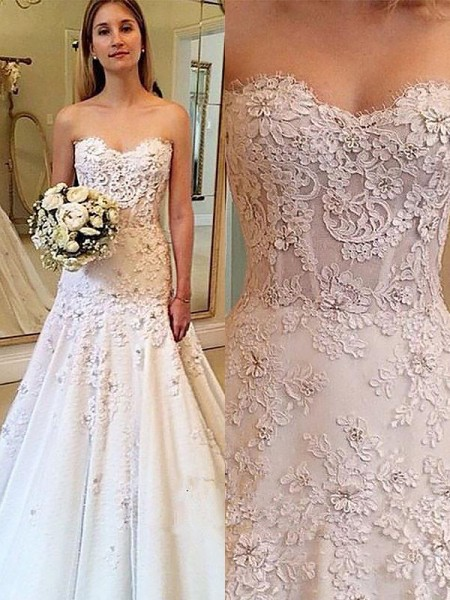 A-Line/Princess Sweetheart Lace Court Train Wedding Dress