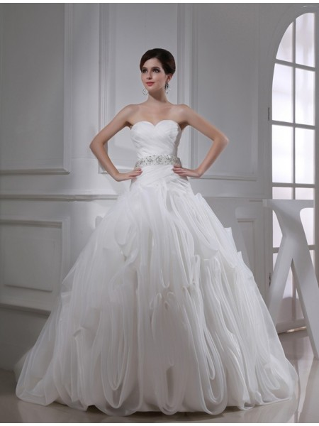 Ball Gown Sweetheart Organza Wedding Dress
