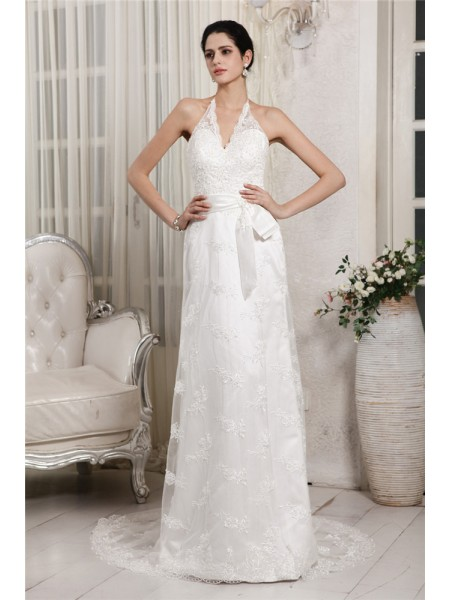 Sheath/Column V-neck Lace Applique Long Net Wedding Dress