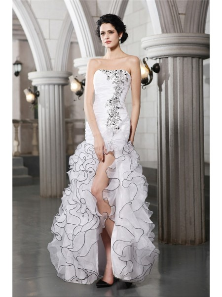 Sheath/Column Strapless Long Organza Wedding Dress