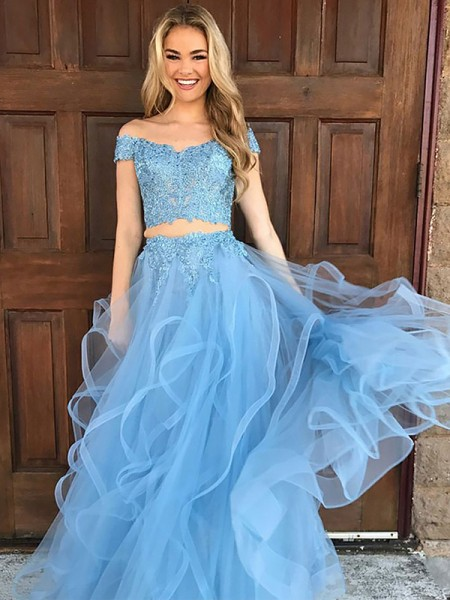 A-Line/Princess Sleeveless Off-the-Shoulder Tulle Applique Floor-Length Two Piece Prom Gowns