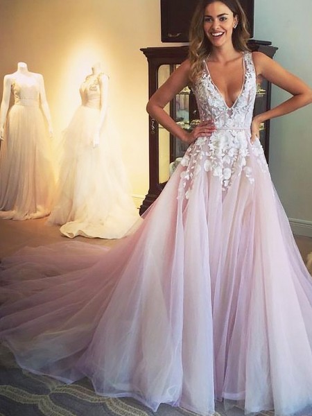 A-Line/Princess V-neck Sweep/Brush Train Tulle Applique Dress