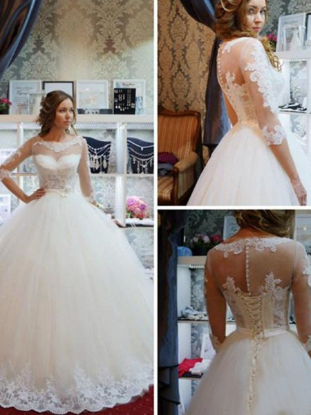 Ball Gown Tulle Scoop 1/2 Sleeves Applique Floor-Length Wedding Dresses