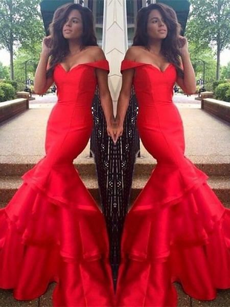 Trumpet/Mermaid Sleeveless Off-the-Shoulder Satin Layers Sweep/Brush Train Prom Gowns